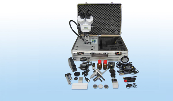 <b>Gemmologists' Travel Labs</b><br />Complete systems for the travelling gemmologist, housed in a robust aluminium trolley or in a durable aluminium case.
