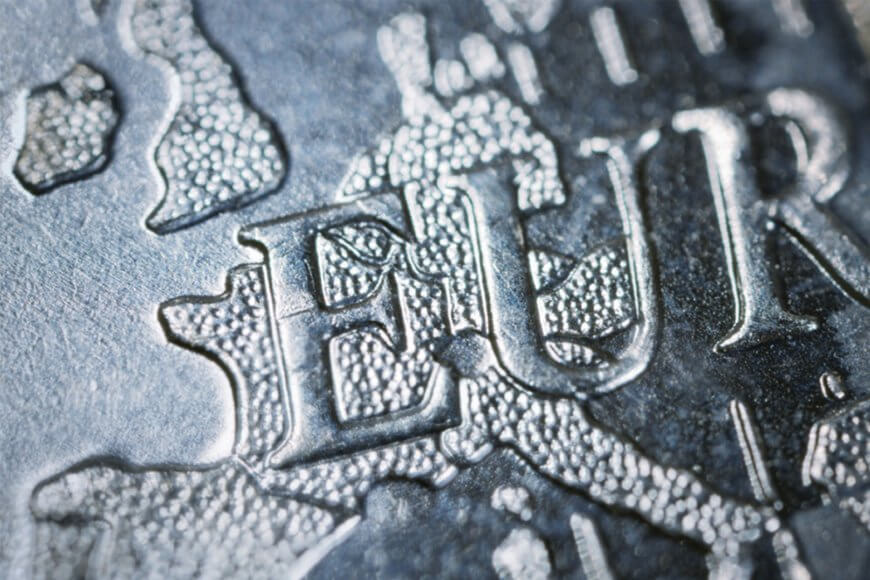 Mikroskopische Vergrößerung einer Münze